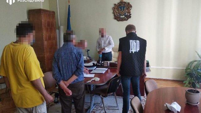 Керівника департаменту освіти і науки Чернівецької ОДА затримали ...