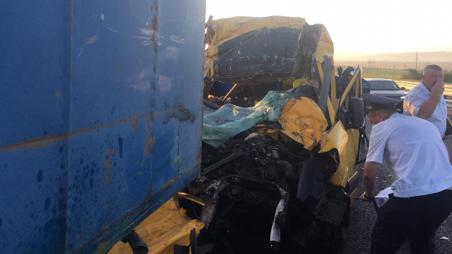 Дев'ятеро людей загинули в аварії мікроавтобуса в Криму