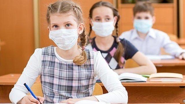 Половина українців проти дистанційного навчання через коронавірус