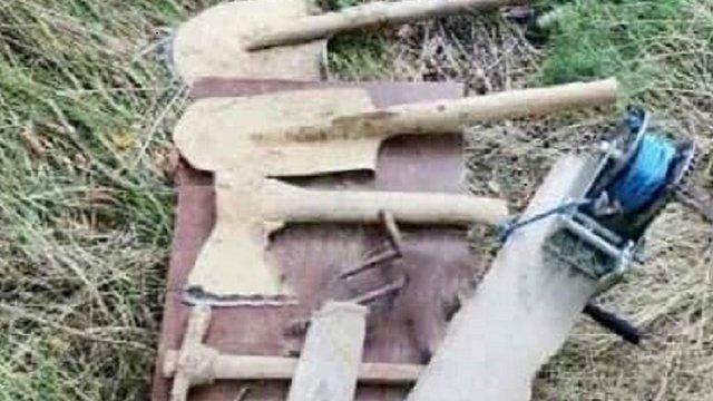 В Запорізькій області жінка рила тунель, щоб звільнити сина з колонії