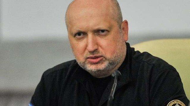 Лещенко написав заяву на Турчинова в прокуратуру через «здачу Криму»