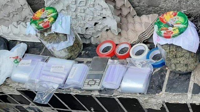 Завдяки анонімній інформації поліція затримала двох наркокур'єрів у Львові