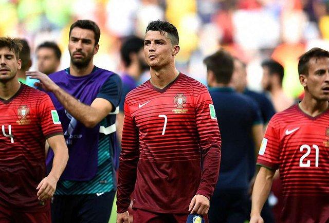 Росія й Португалія летять одним рейсом