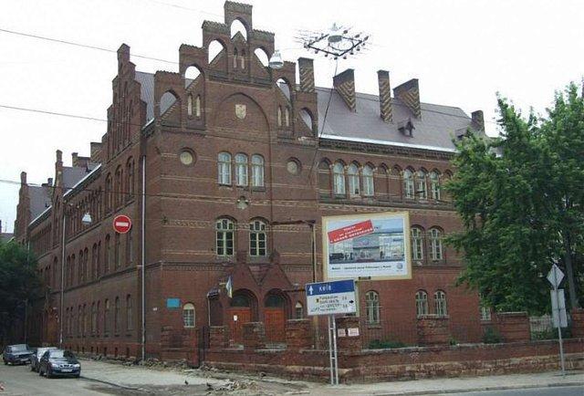 Львівські школи візьмуть під охорону