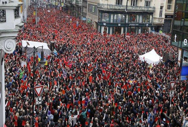 У Чехії тисячі людей мітингували проти проросійської політики президента