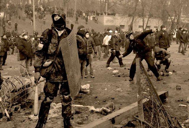 Паралельні сценарії подій в Україні взимку 2013-2014 рр.