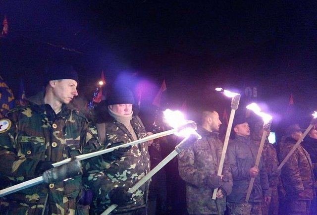 Учасники смолоскипної ходи у Києві хочуть відвідати телеканал «Інтер»
