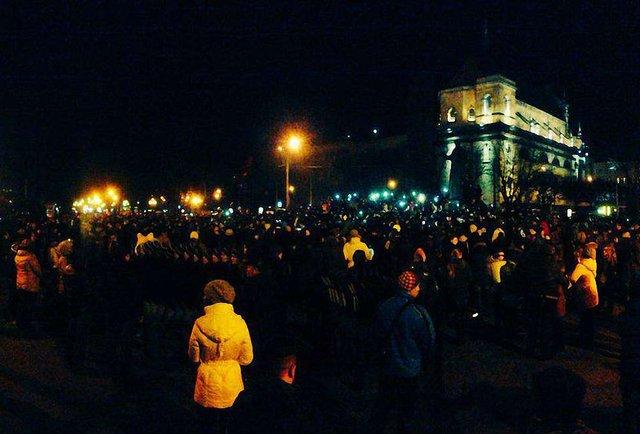 Близько 3 тисяч львів'ян вшанували пам'ять Андрія Кузьменка зі «Скрябіна»