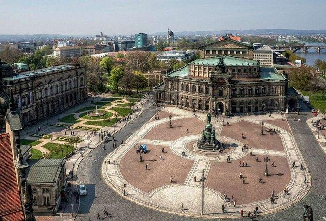 Як привиди минулого в Дрездені впливають на теперішнє