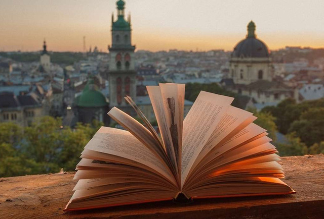62 письменники протягом місяця  читатимуть свої твори у Львові