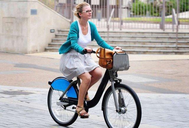 Як велосипедистам вберегти себе на дорозі