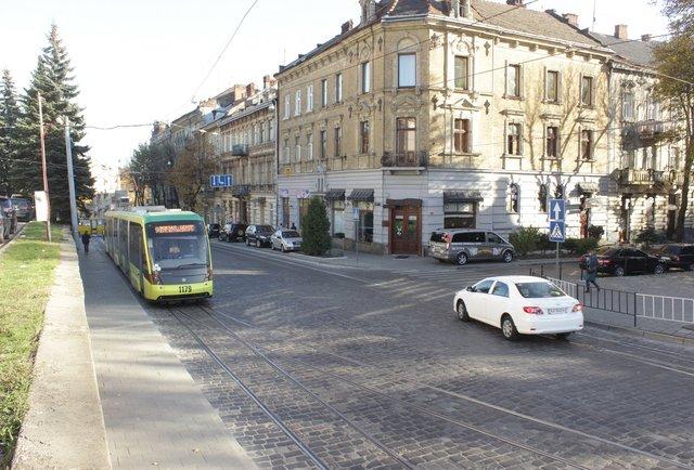 Зручно для всіх: три проекти ремонту вул. Бандери