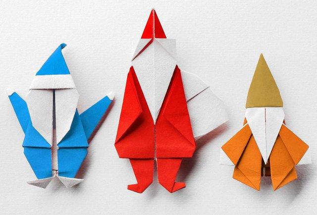 Зібрались якось Санта-Клаус, Дід Мороз і Святий Миколай…