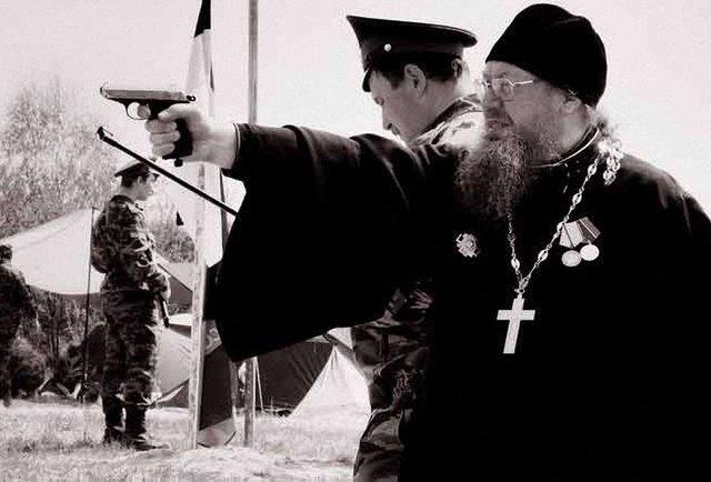 Навіщо російські капелани в українській армії?