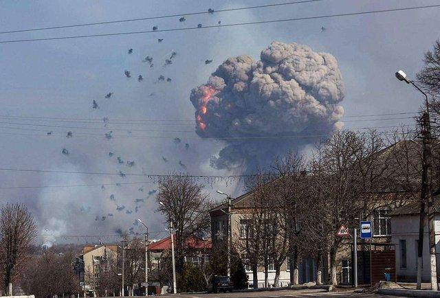 Що відомо про пожежу на складах боєприпасів у Харківській області