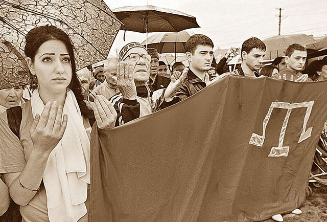 Кримські татари, автономія, популізм, Україна