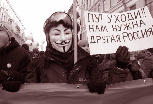 Два погляди на майбутню «революцію» в Росії