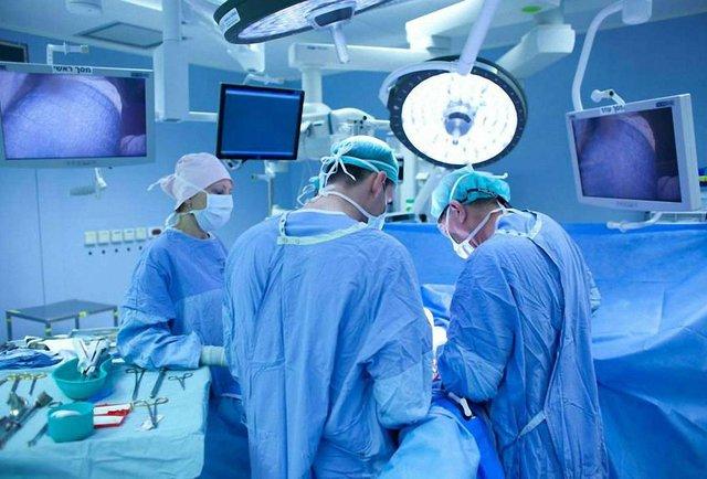 Унікальну операцію 35-річній львів'янці провели місцеві хірурги