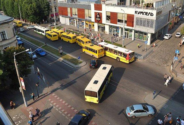Львівська мерія оновила мережу автобусних маршрутів