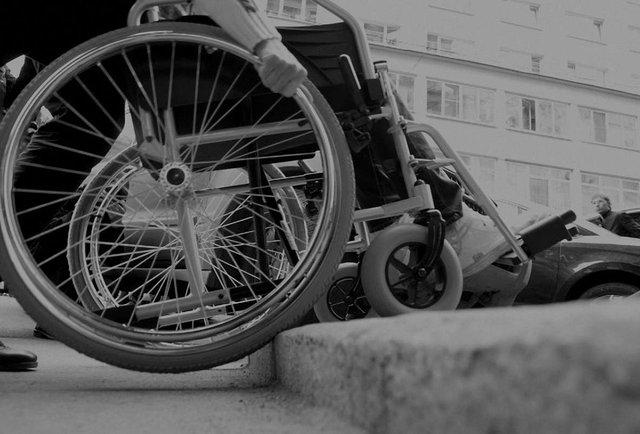 «Треба побороти стереотип, що людям з інвалідністю хтось щось винен»