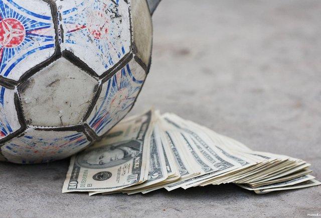 35 українських клубів підозрюються у договірних матчах