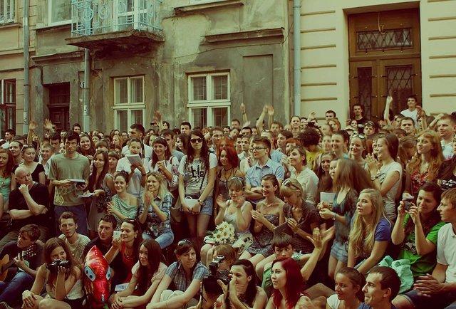 Свято музики, зустріч хіпі і фільм на підтримку Сенцова