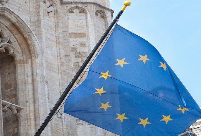 У рейтингу довіри українців Євросоюз випередив Церкву
