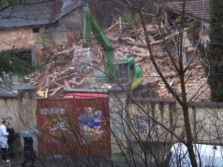 Во Львове на Озаркевича снесли часть госпиталя Шептицкого (фото)