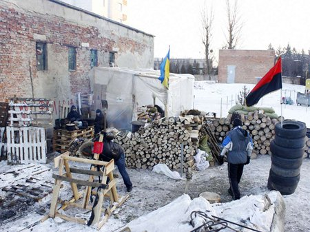 Народний креатив львівських барикад