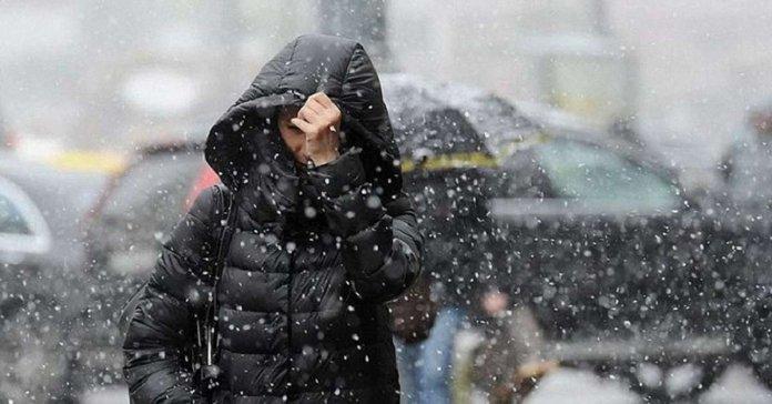 """Результат пошуку зображень за запитом """"Шторм, мороз і сніг: синоптики прогнозують значне погіршення погоди"""""""