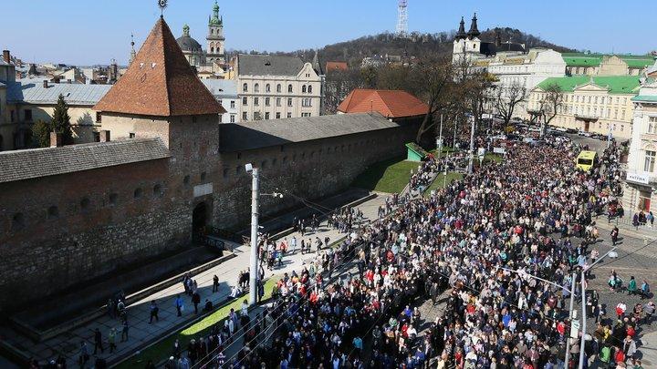 У Львові відбулась багатотисячна хресна хода