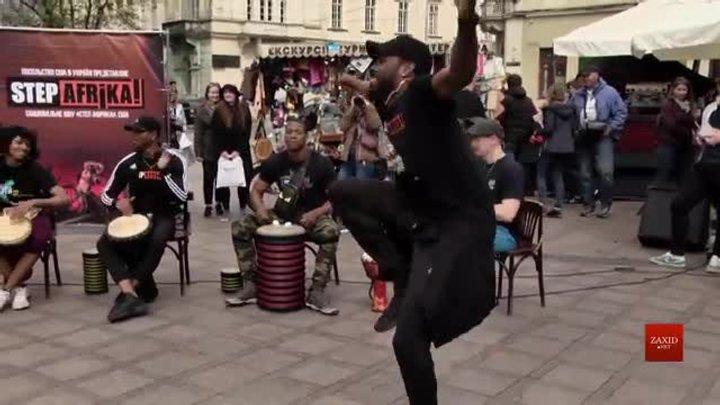 У Львові колектив афро-американського степінгу просто неба влаштував танцювальний флешмоб