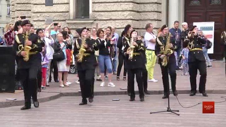 У середмісті Львова виступив військовий духовий оркестр