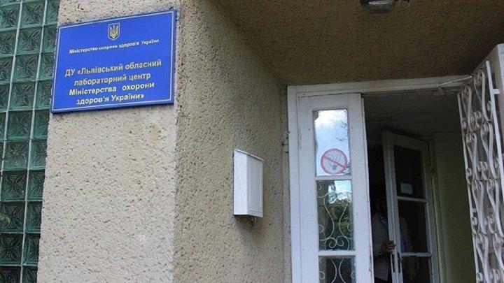 У Львові серед хворих на коронавірус є троє членів однієї родини