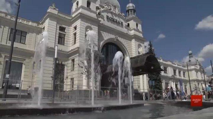 На площі Двірцевій біля львівського залізничного вокзалу тестують новий фонтан